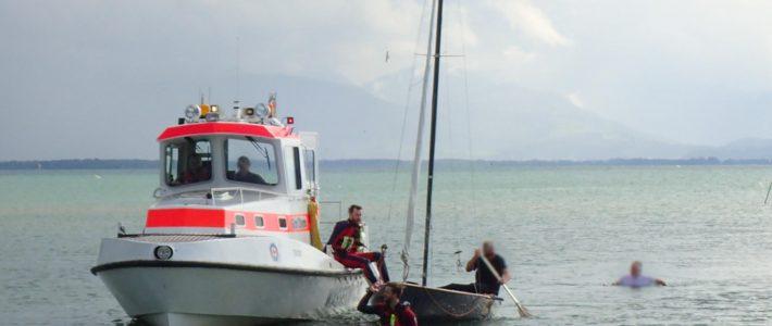 Wegen Sturmböe: Segelboot auf Chiemsee gekentert